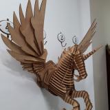 Fotografía Pegasus Colgado